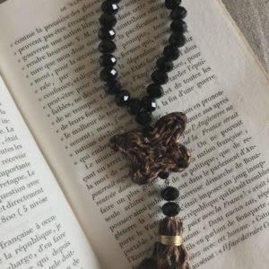 Jil d hostun, bijoux boheme, sautoirs papillons, bijoux boho chic, bijoux bohemian, sautoirs daisy, bijoux rock, bijoux femme boheme, sautoir en perle woodstone luxe