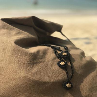 Little Black Daisy perles de rocailles noires - bijoux bohème