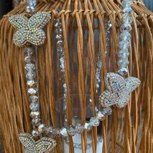 Sautoir Ultra Luxe perles de verre 3 papillons strass Jil D'Hostun