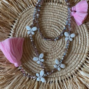 Sautoir perles de verre diamant rose 5 papillons pierre blanche pompons rose